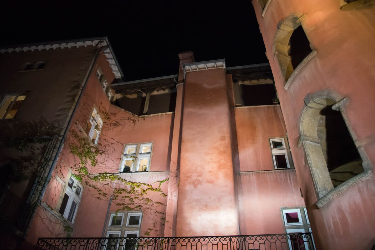 Le Vieux Lyon et Passerelle St Georges by night