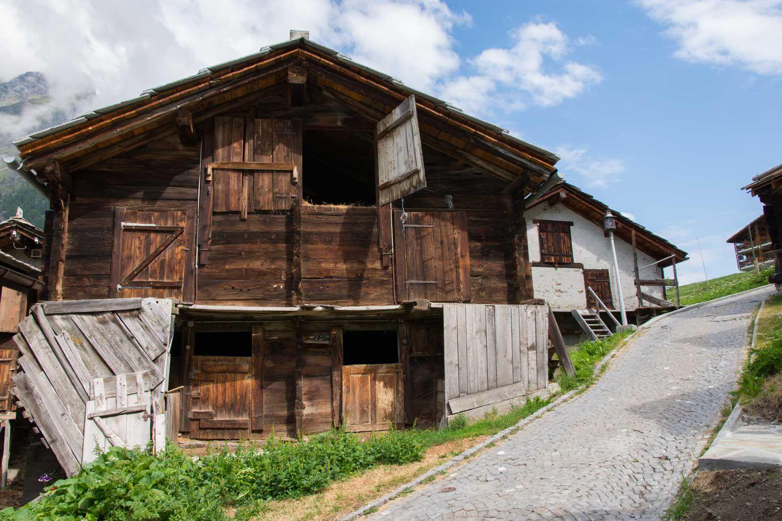 Randonnée de la passerelle Charles Kuonen de Randa - Suisse