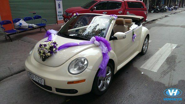 Xe cưới mui trần sở hữu thiết kế tinh tế