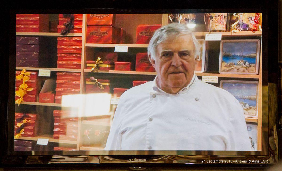 En introduction à la vidéo, Michel Chatillon présente son métier de chocolatier