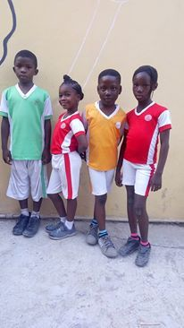 Tolu with some of his Grade 3 mates