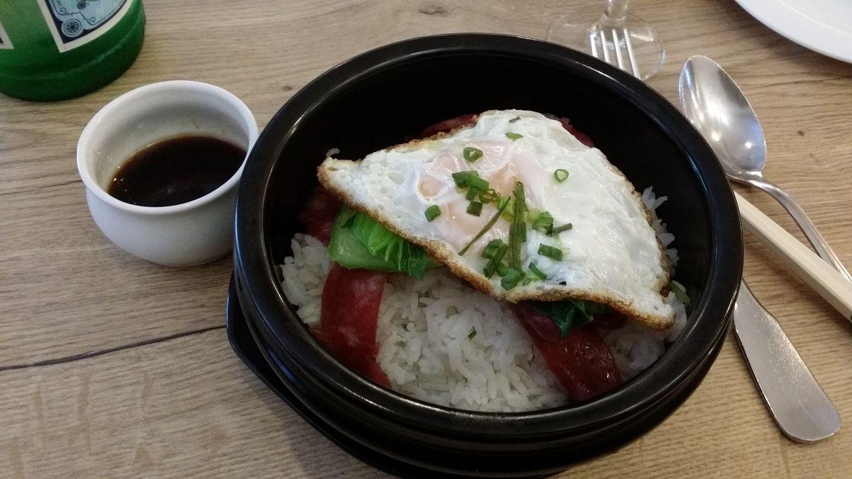Marmite de saucisse chinoise au chou sur riz Restaurant chinois Paris 7