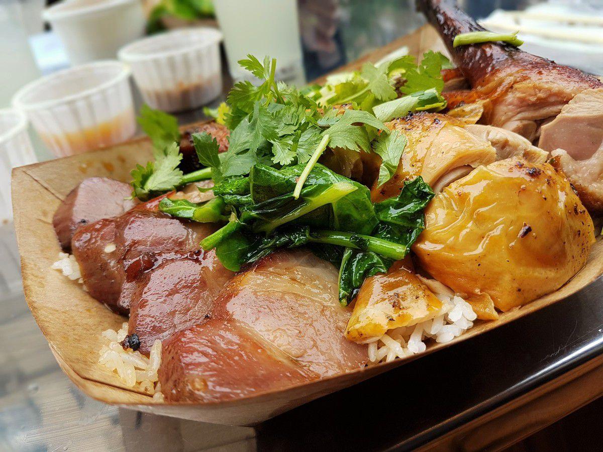 Grand Mix (Porc laqué, poulet rôti, canard laqué) Restaurant Street Bangkok Paris 2