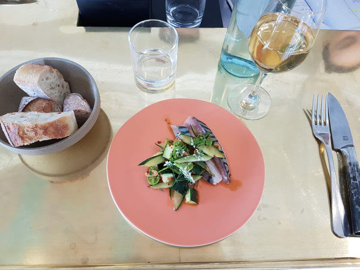Maquereau cru concombre mariné prik pao Le Servan Restaurant Paris 11