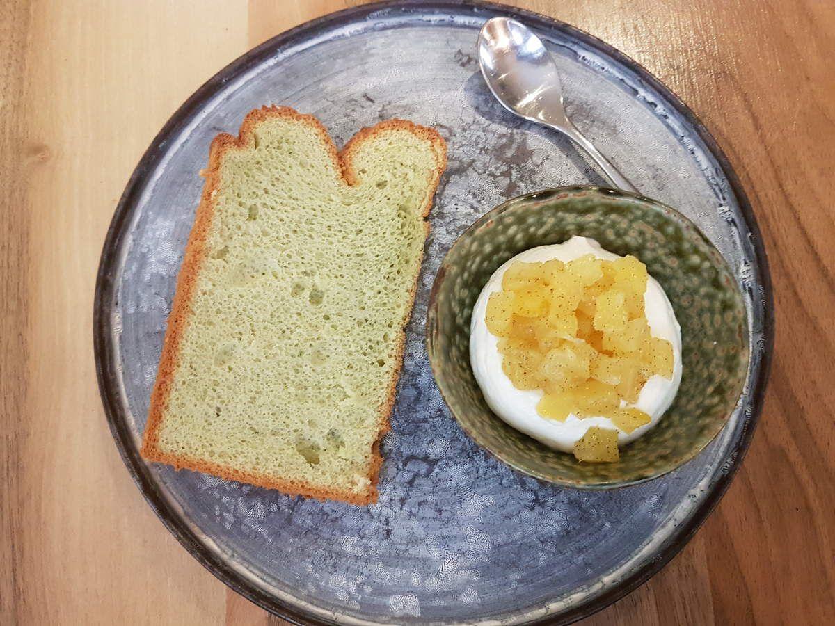 Chiffon cake pistache crème yuzu et ananas vanille Accents Table Bourse restaurant Paris 2