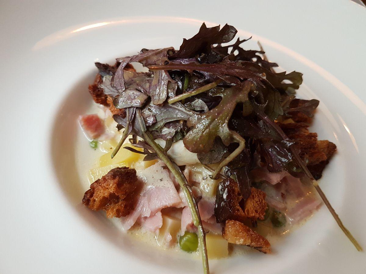 Oeuf poché au comté, jambon blanc et petit pois Fraîche Restaurant Paris 10