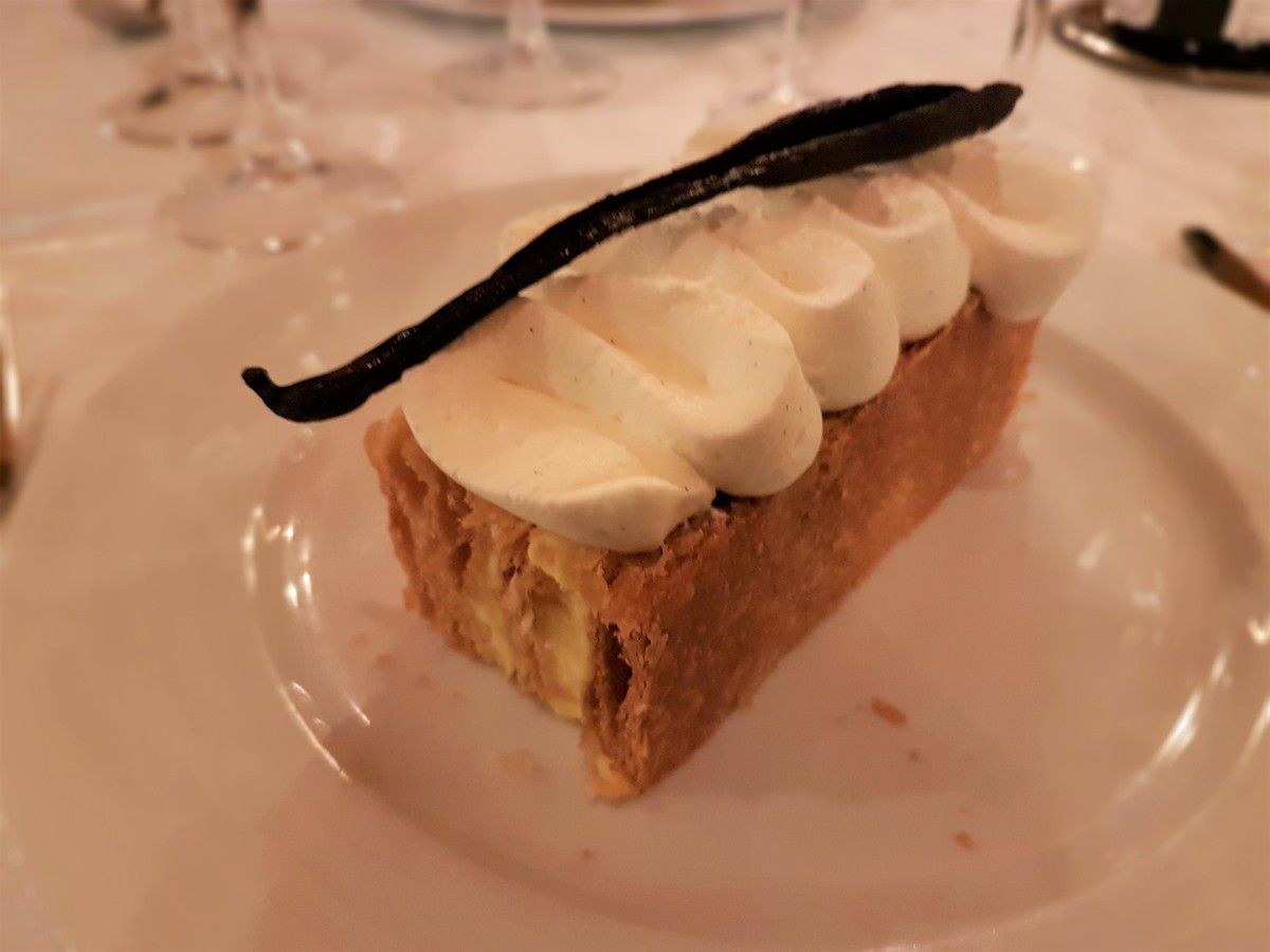 Traditionnel Mille Feuille à la vanille Bourbon Le Bofinger Restaurant Paris 4