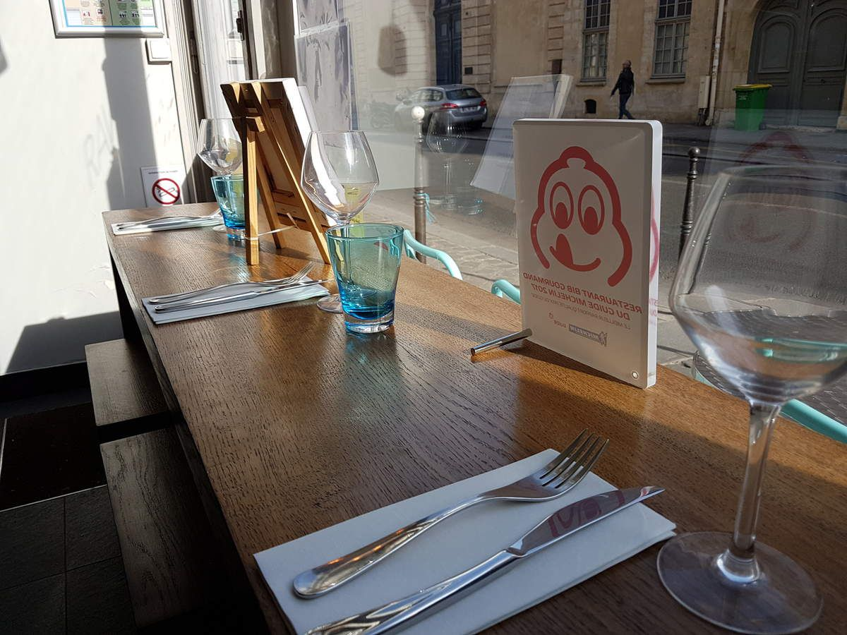 Raw Restaurant Paris 3 Rue de Turenne