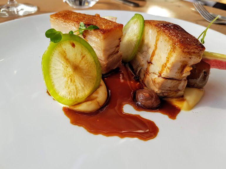 Poitrine de cochon confite, salsifis et pommes grenailles L'Escargot 1903 Restaurant Puteaux 92