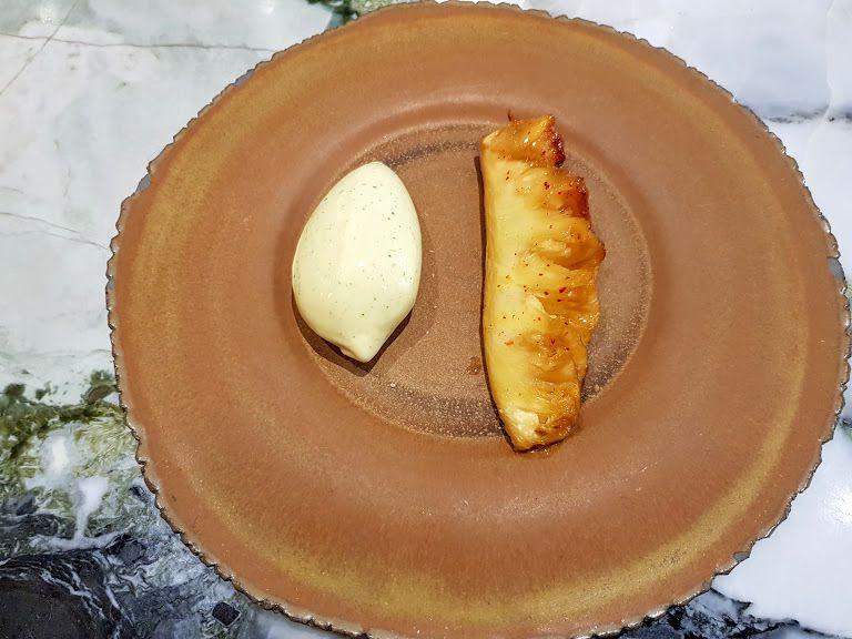 Ananas à la broche vanille piment et glace citronnelle Clover Grill restaurant Paris 1