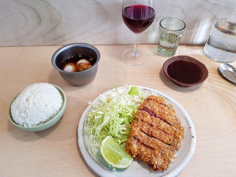 Tonkatsu porc ibérique, chou pointu et gohan Cheval d'or restaurant Paris 19