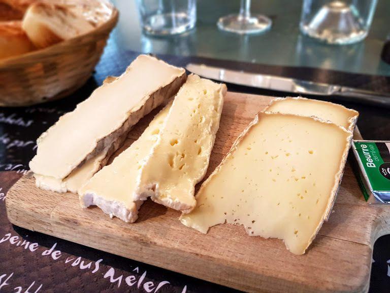 Plateau de fromages Les Pieds dans l'eau restaurant Neuilly sur Seine