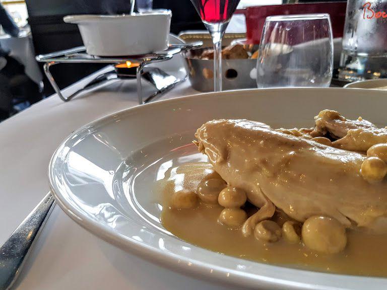 Poulet de Bresse Miéral à la crème et aux champignons, riz basmati Brasserie Bocuse Louvre restaurant Paris 1