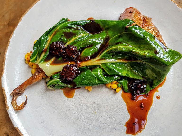 Pigeon, pesto de cacahuètes, maïs et mûres Dilia restaurant Paris 20