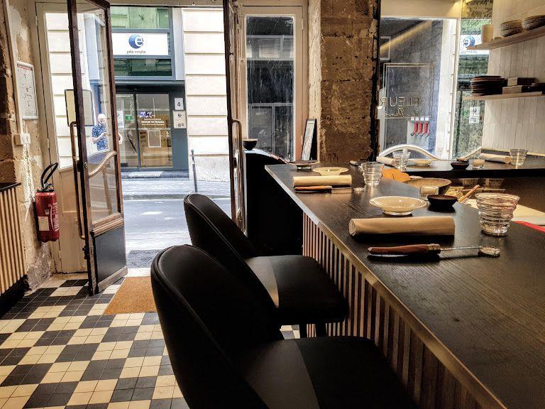La Salle de Fleur de Pavé Restaurant Paris 2