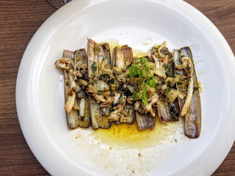 Couteaux en persillade La Cave Montreuil restaurant