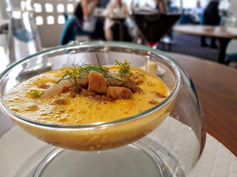 Ris de veau et couteaux de mer en aigre douce, mousseline de carotte-fenouil et orange Auguste restaurant Paris 7