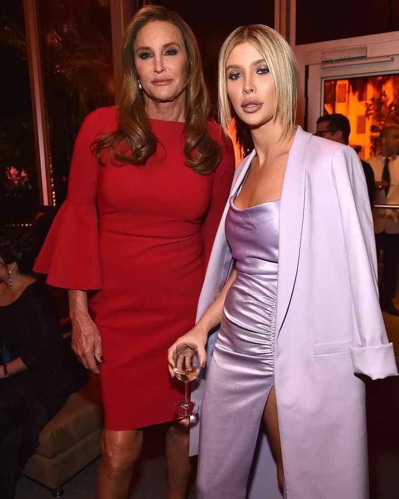 Caitlyn Jenner et sa petite amie à la fête des Oscars⚘