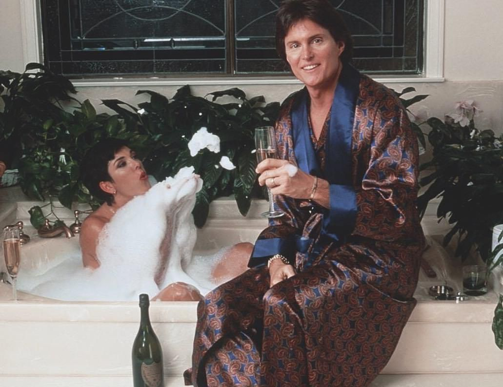Une ancienne photo de Kris Jenner et de Caitlyn Jenner publié par Kim sur instagram ❤