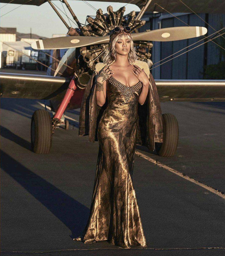 Rihanna pose pour le Magazine Harper's Bazaar, decouvrez les photos Fashions😍