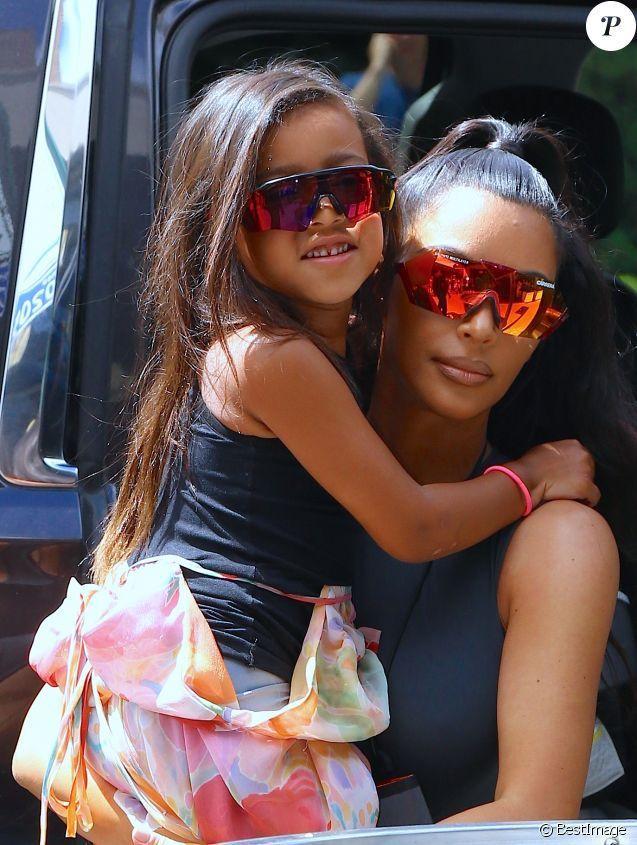 North West, la fille de Kim Kardashian est déjà accro au maquillage à 5 ans:  Découvrez les photos !