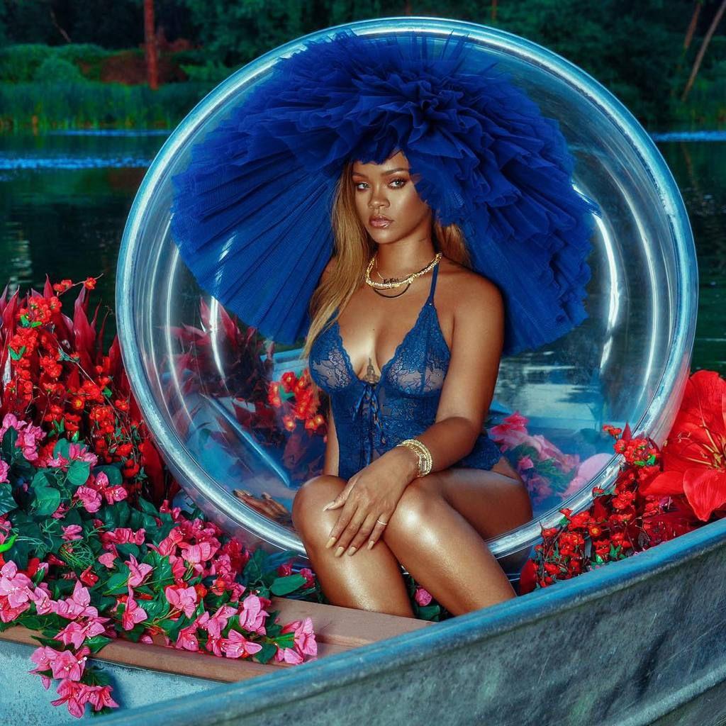 Rihanna fête ses 13 ans de carrière 🎉🎀🎈❤👑