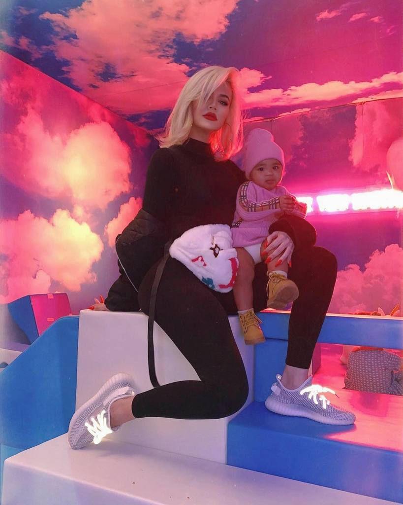 Chloé Kardashian dévoile des photos de son nouveau look  : je suis accro à mes cheveux courts