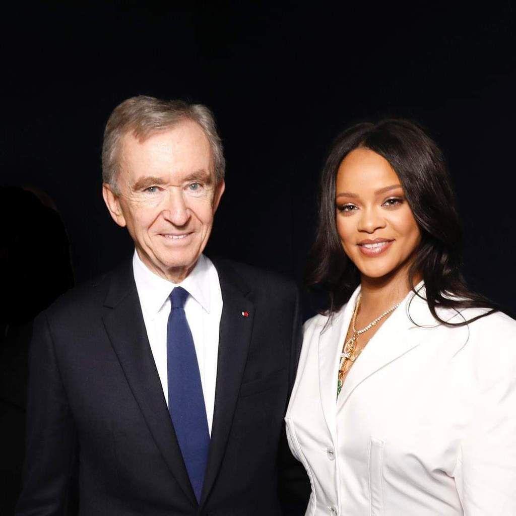 Rihanna présentait ce mercredi 22 mai sa marque de haute-couture FENTY dans à Paris.