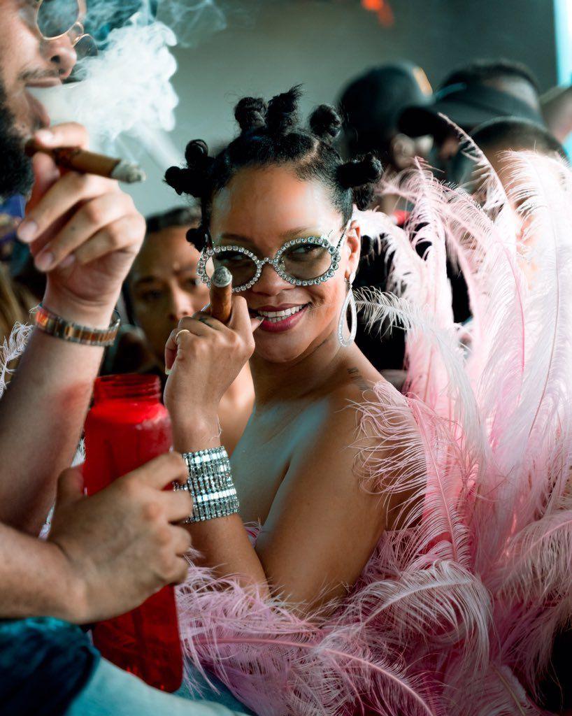 Rihanna la reine de la Barbade de retour sur son île pour fêter le carnaval,  découvrez toutes les photos de la fête.