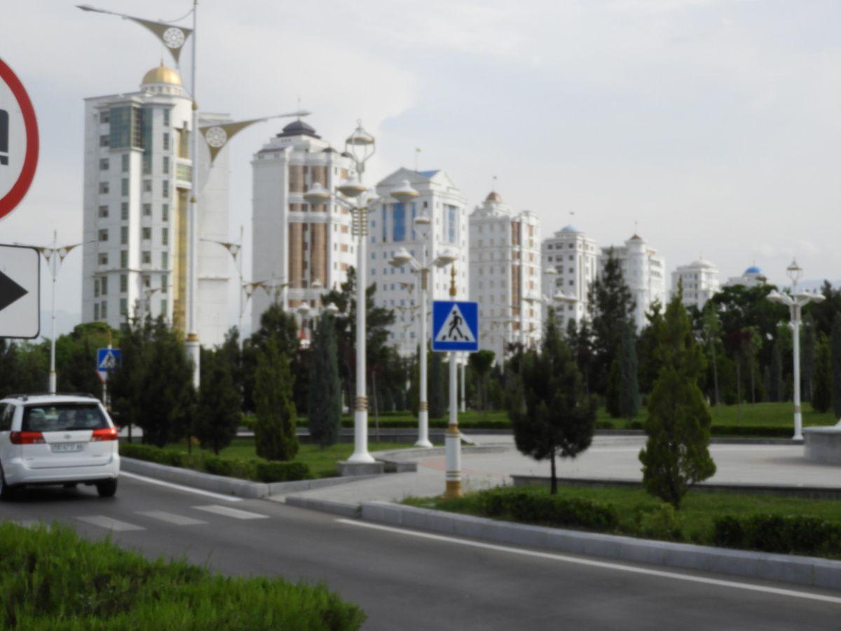 Certains bâtiments nous font encore penser à l'ère soviétique…