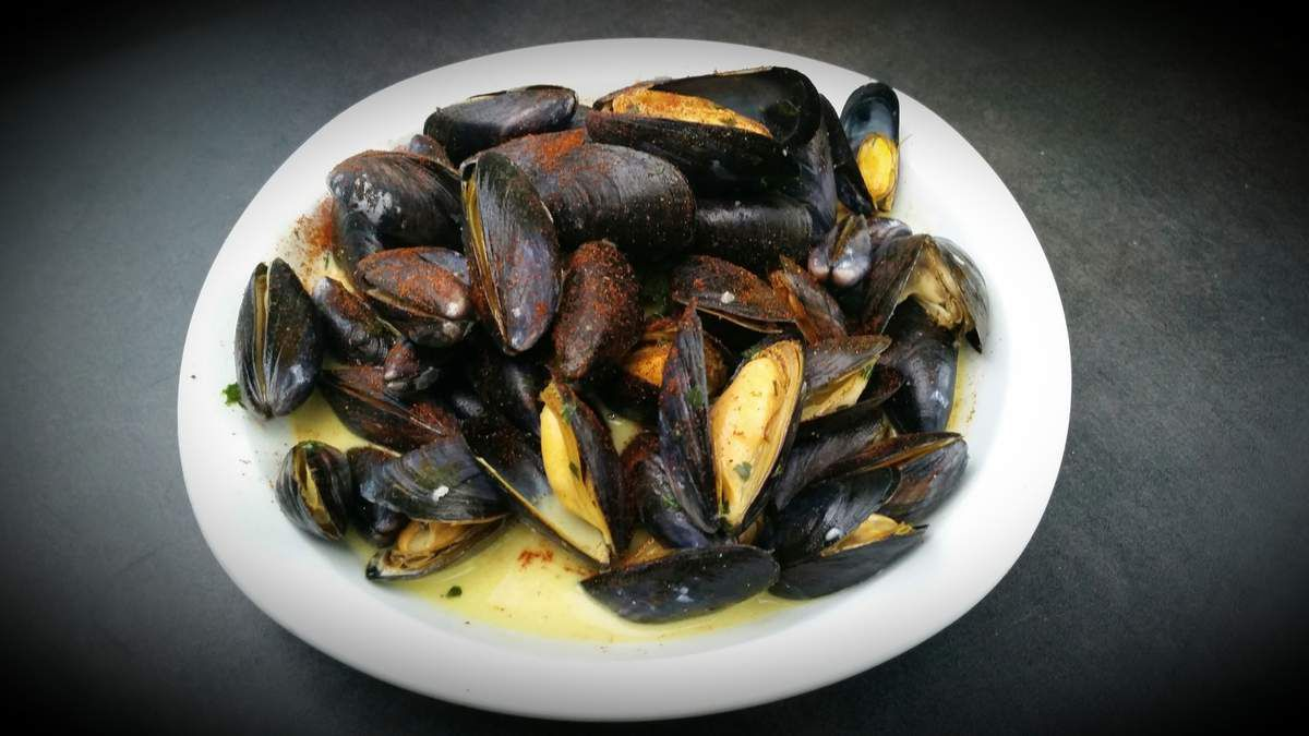 Moules au jus de persil et au curry