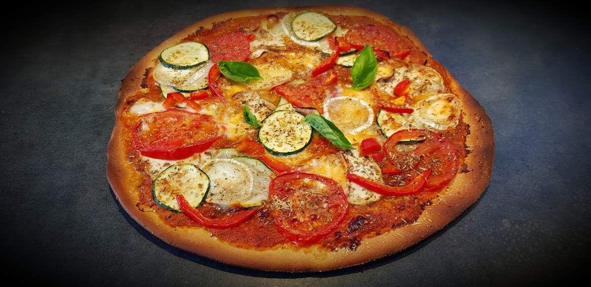 Pizza aux légumes et au chèvre