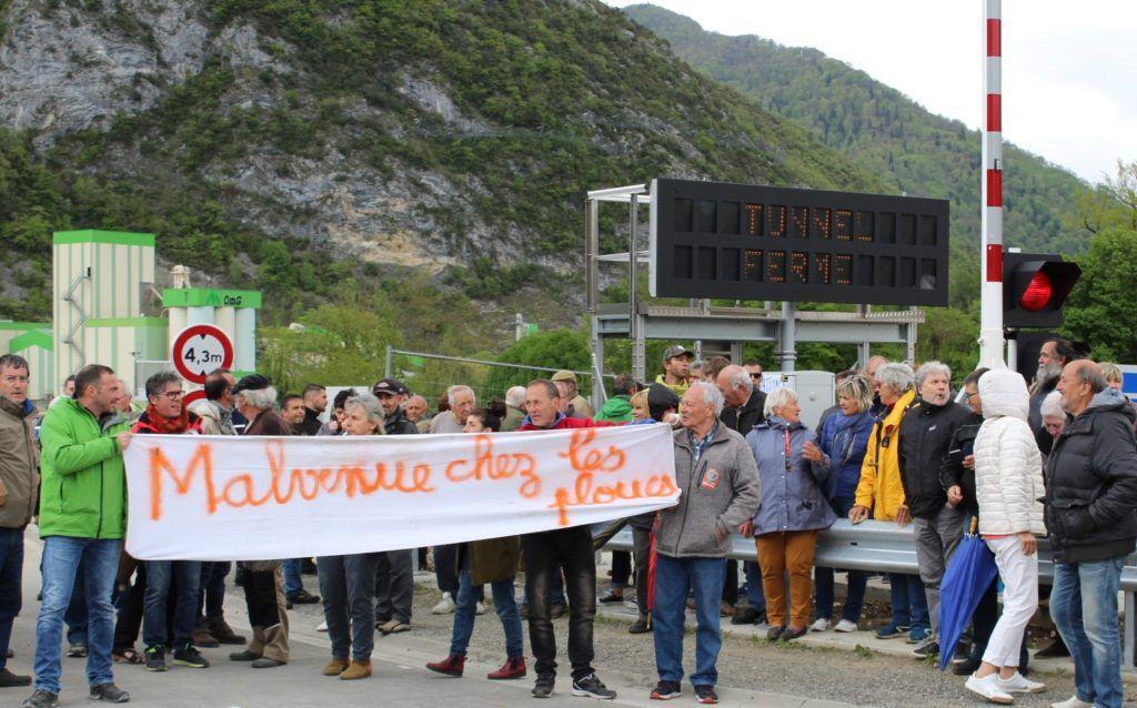 Vidéo. Inauguration du tunnel de Saint-Béat : concert de casseroles pour les élus