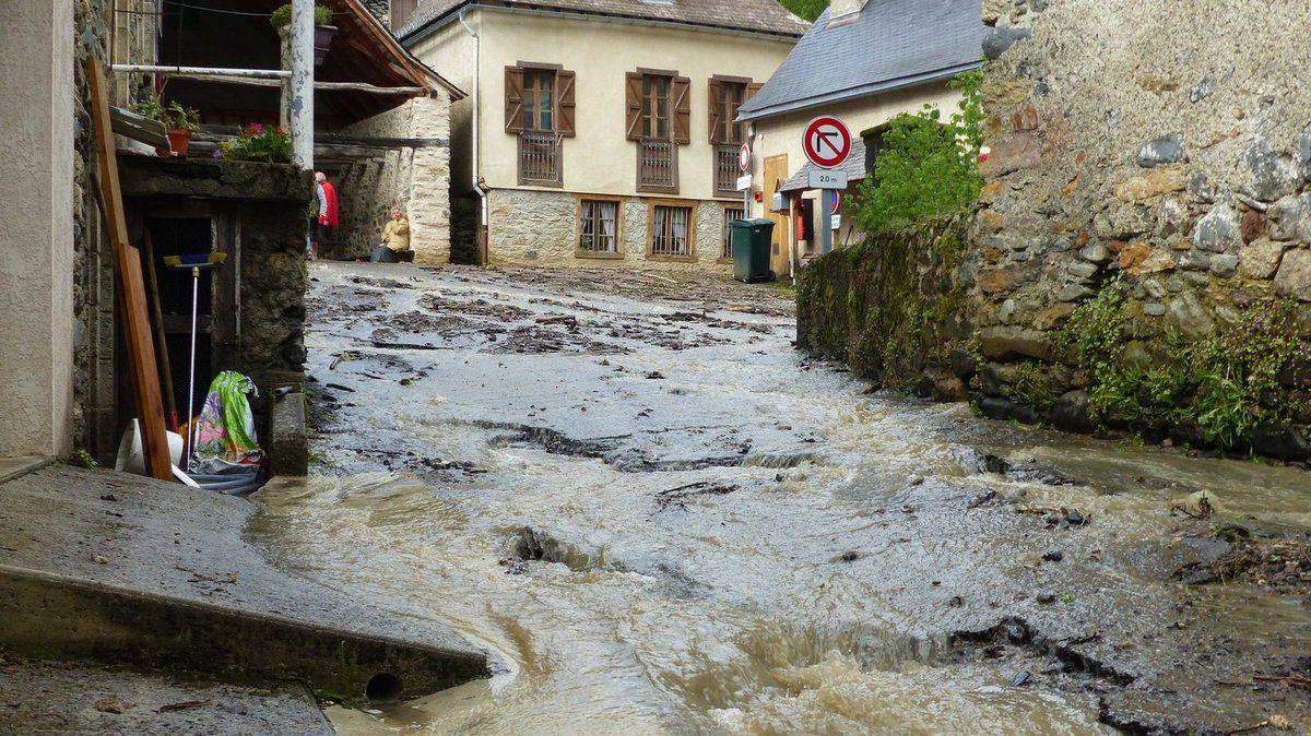 Coulée de boue dans les Pyrénées : des villages coupés du reste du monde