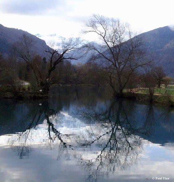 Un soir, une photo : reflets au lac de Badech...