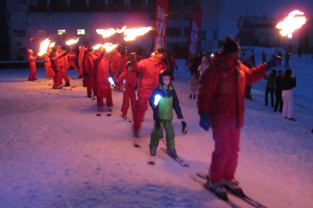 Luchon-Superbagnères : ce jeudi soir, c'était... descente aux flambeaux avec l'ESF