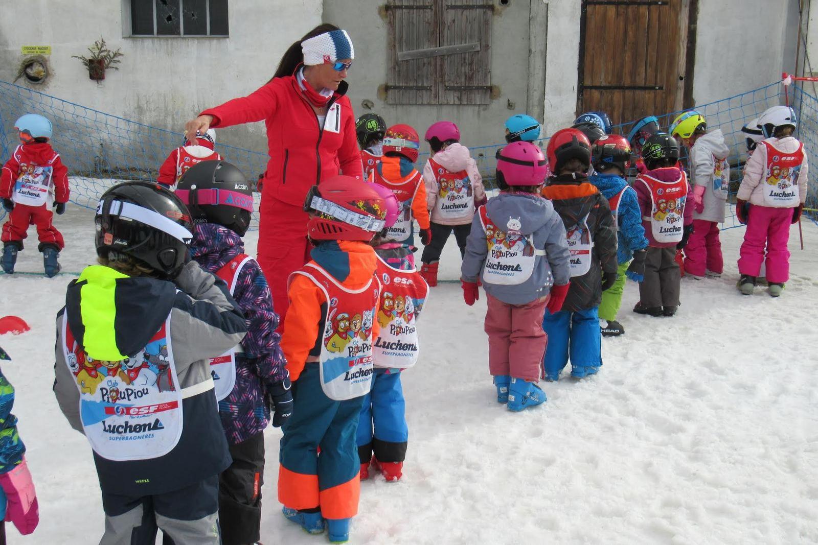 Luchon-Superbagnères : les Piou-Piou font du ski...