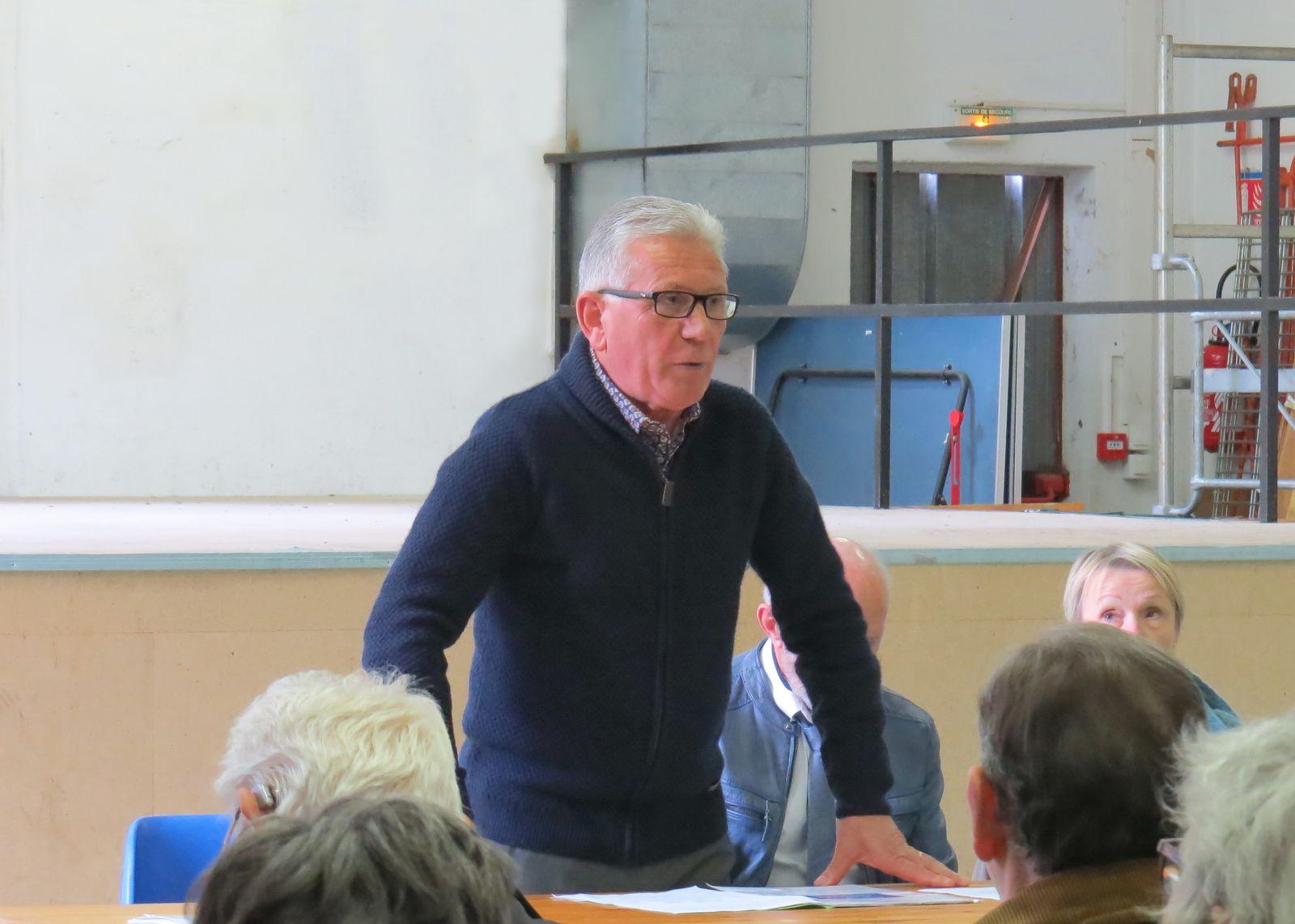 Municipales 2020 : réunion publique de Francis Dejuan perturbée à Fos