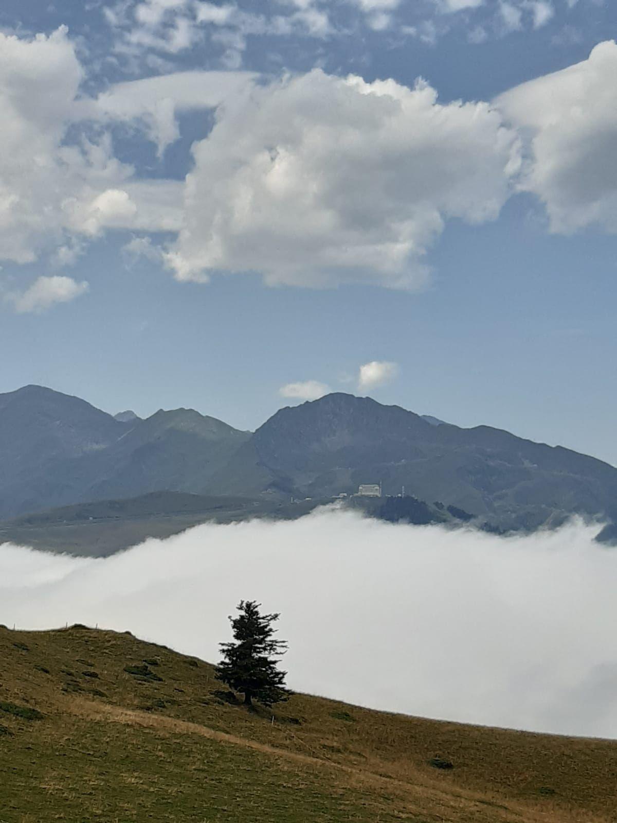 Pays de Luchon : mer de nuages...