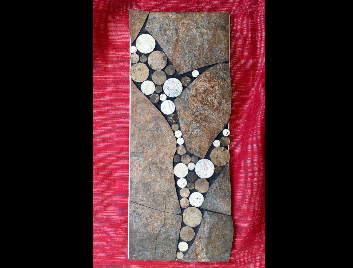 50 cm x20 cm. Mosaïque de carrelage moderne  nuance pierre oxydée et pastille de marbre.