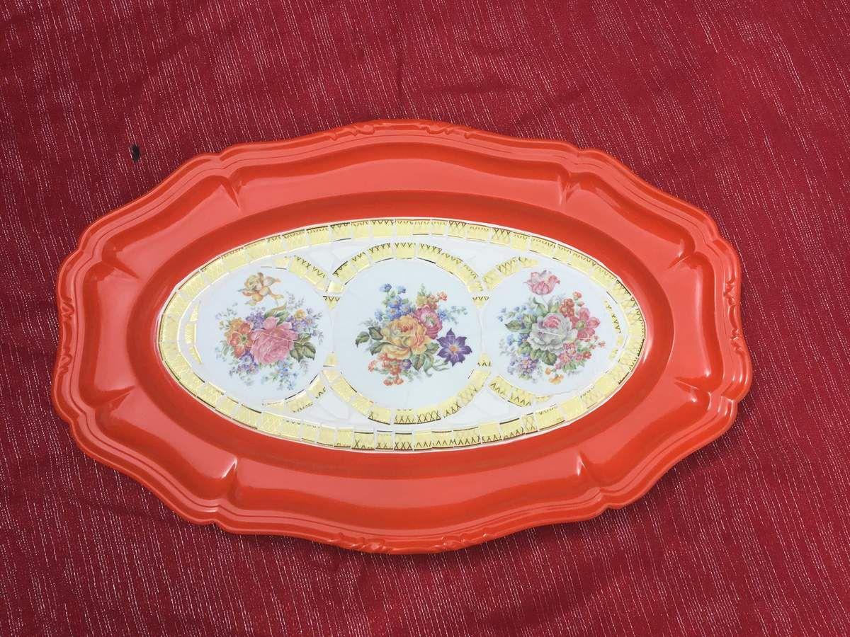 45x29 cm. Plat inox relooké mosaique de porcelaine et faïence ancienne.