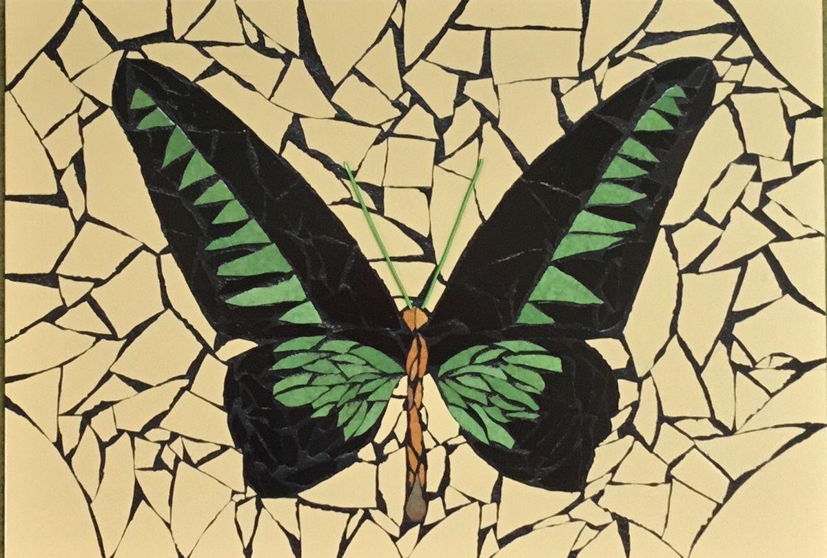 45x32 cm. Tableau mosaïque grand papillon vert et noir. Émaux de briare et faïence.