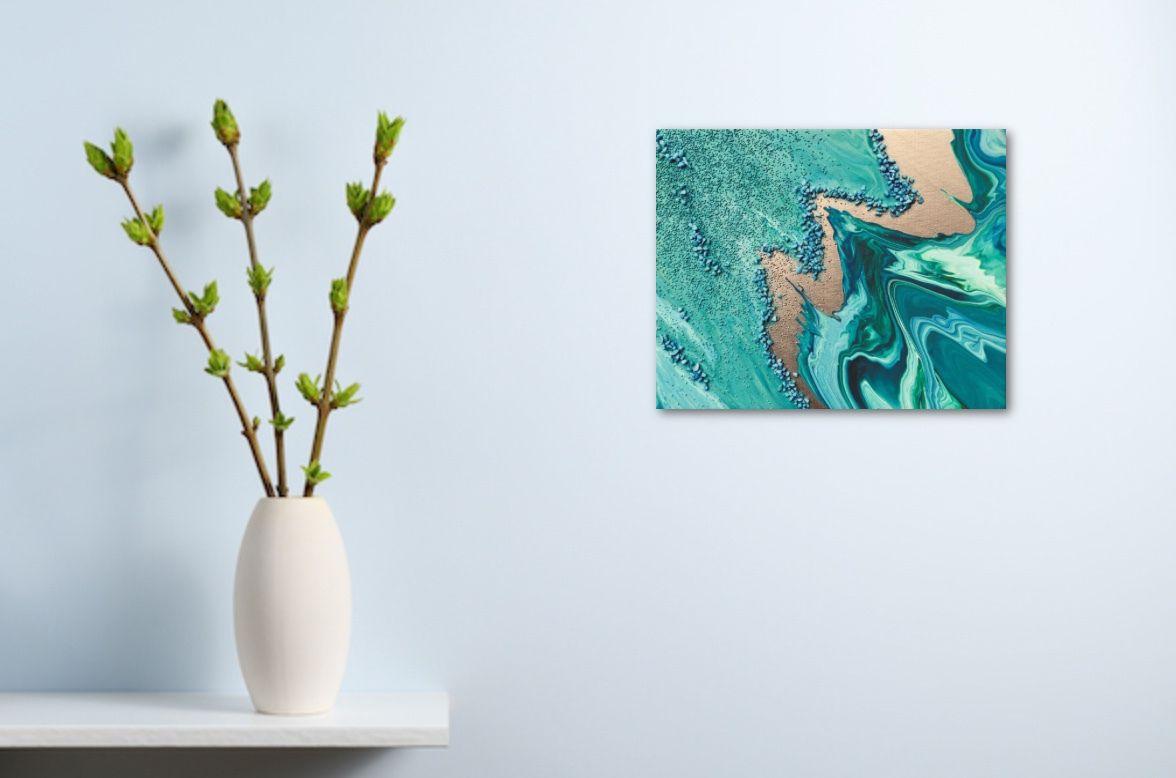 Peinture acrylique réalisée sur châssis entoilé 24x30 cm. Vert bleu turquoise, bande nacrée. Grains fins et moyens donnent relief et mouvement.