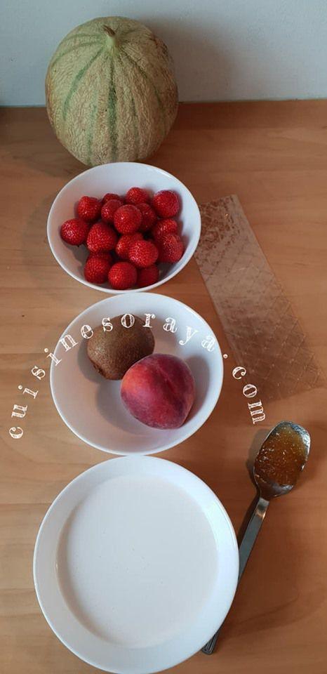 Méli mélo de fruits aux lait dans un melon