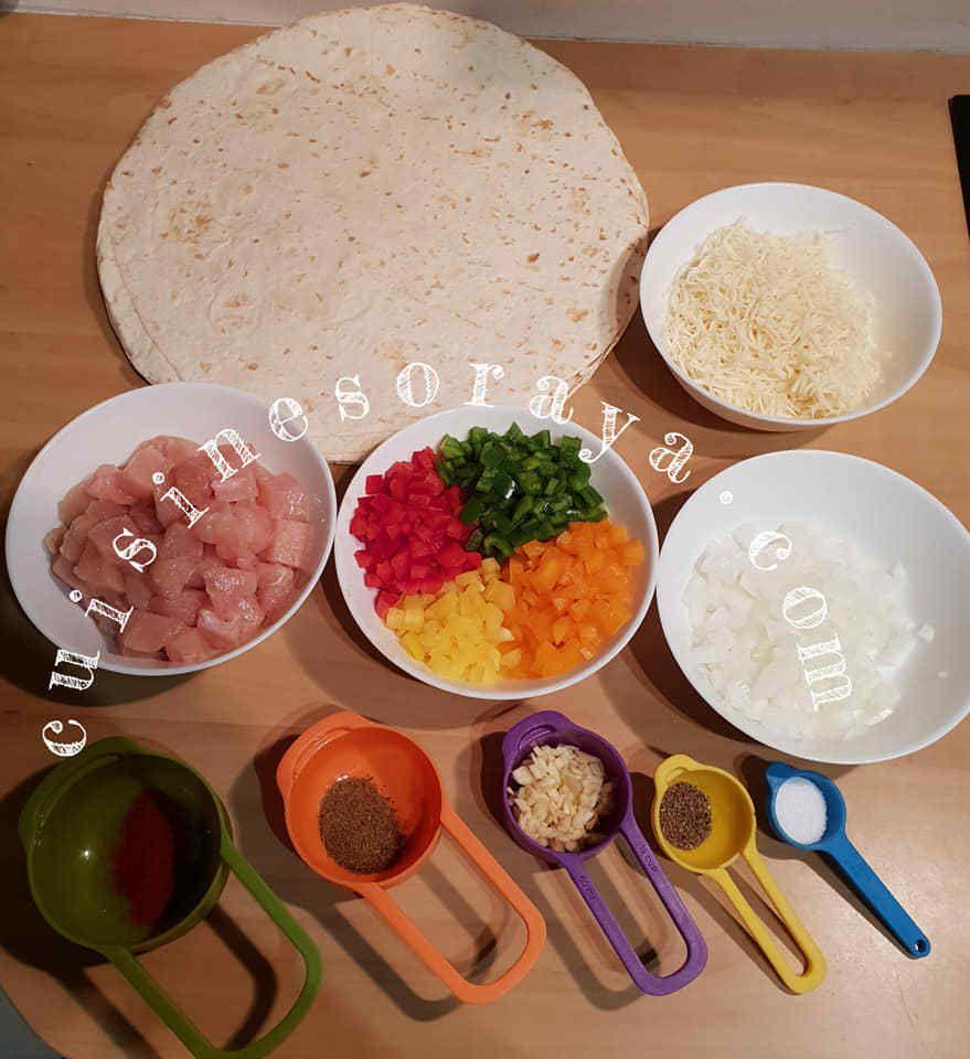 Quesadillas de poulet légumes et au fromage