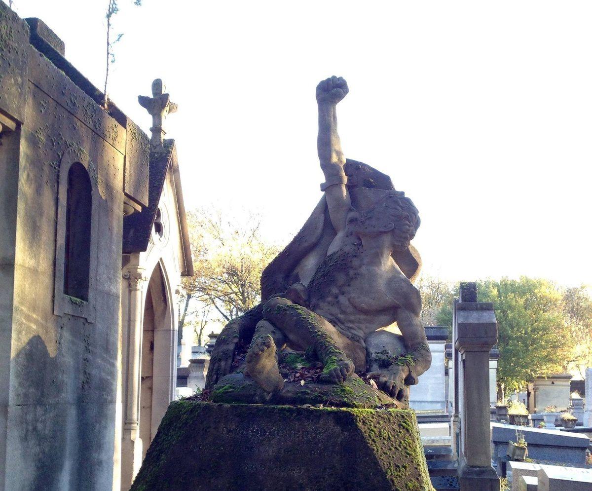 Le cimetière du Père-Lachaise à Paris - ONLAVU