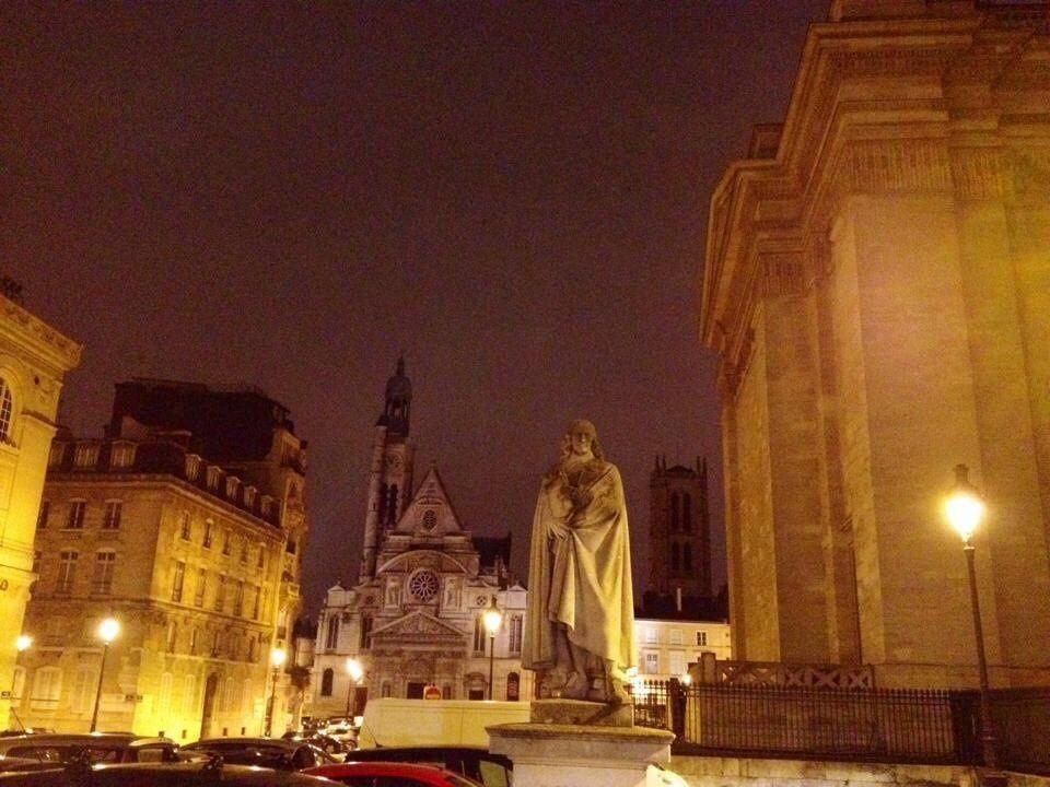 Paris by night - ONLAVU