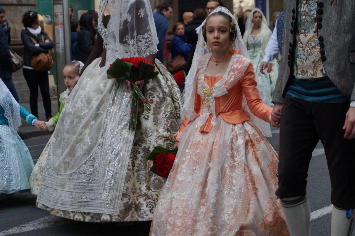 onlavu : le défilé de Falleras