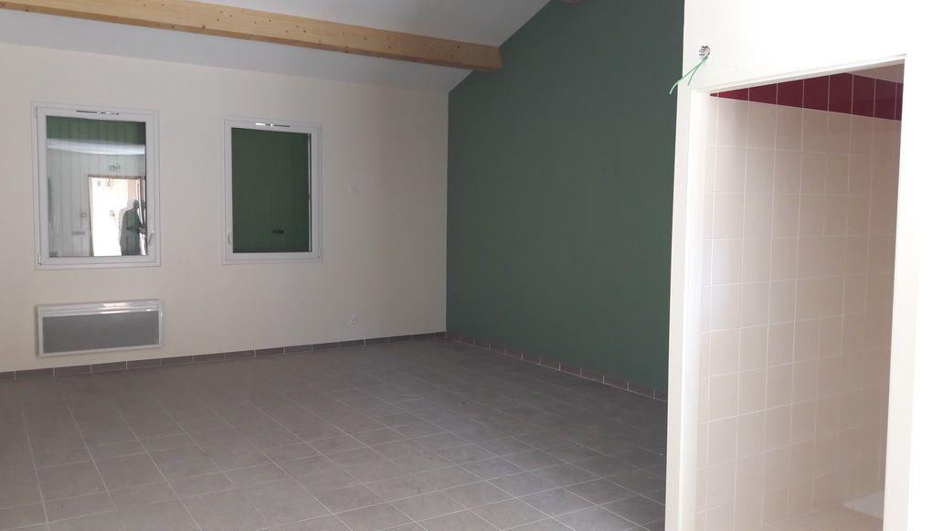 Une chambre normale (chacune de couleur différente)