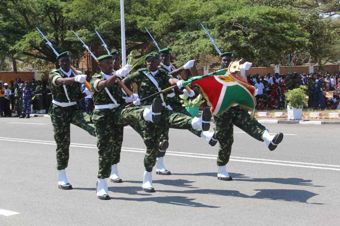 Défilé militaire lors des cérémonies du 56ème anniversaire de l'indépendance